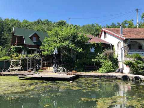 Cottage Medyuvrsje