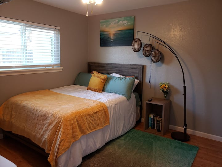 In-town, 3-5 mins from the fwy, close to downtown