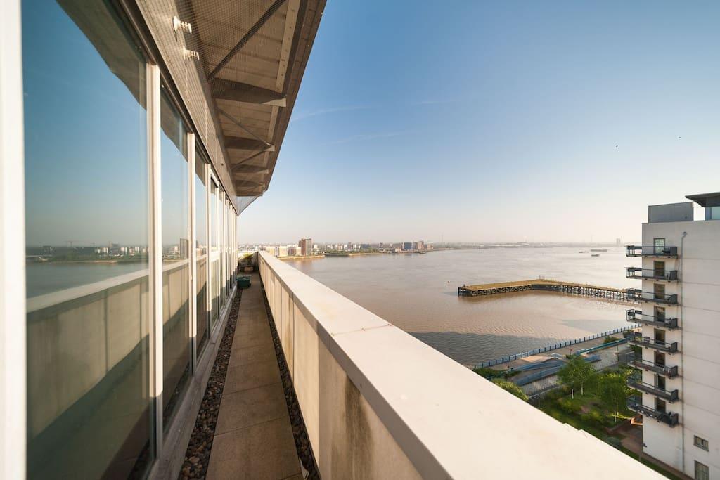 balcony sides