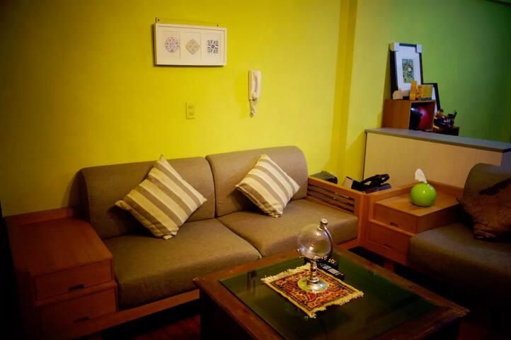近科博館、中醫、一中~文藝民宿couchsurfing沙發衝浪A~台中北區 - Taichung - Huoneisto