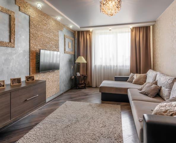 PaulMarie Apartments on Stroiteley 43