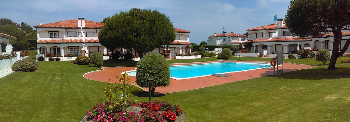 Spacious Family Villa in Praia d'el Rey, Portugal