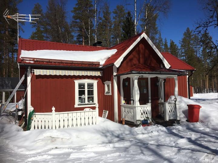 Mysig stuga nära Klövsjö-Vemdalens fjällområde