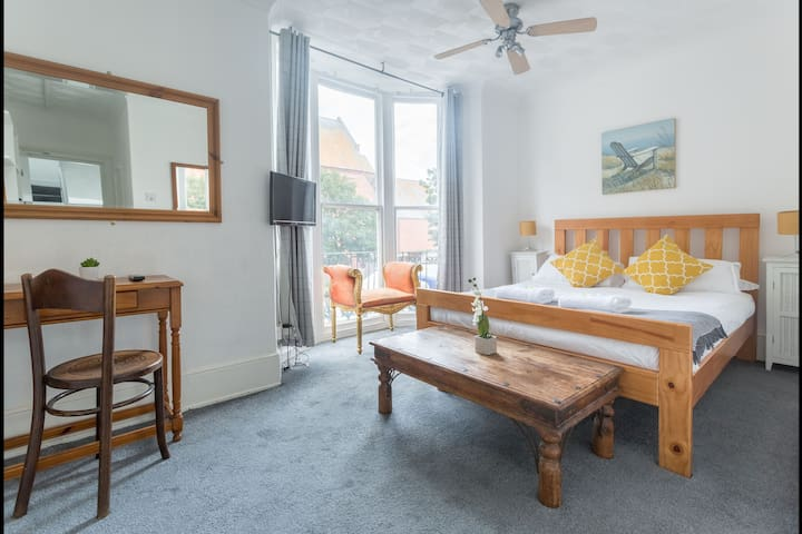Vintage King DBL En Suite Close to Brighton Pier