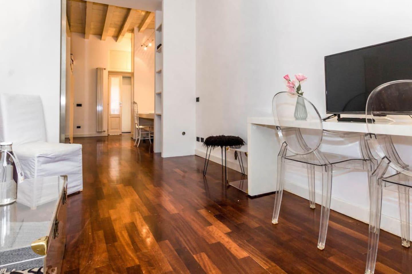 Il Soggiorno / The Living Room