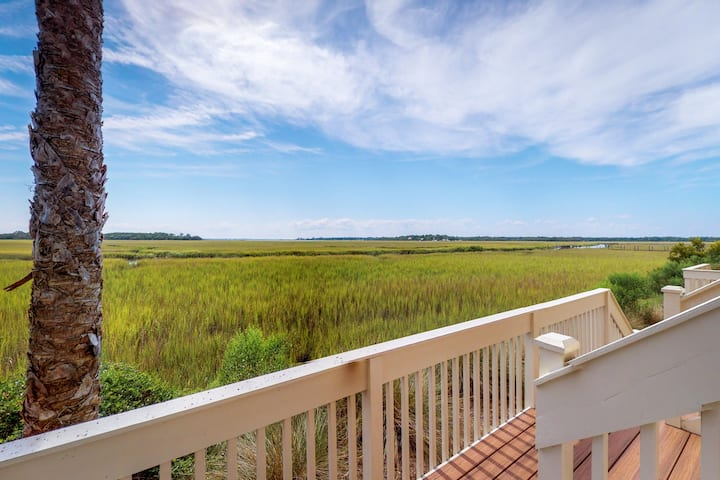 Riverfront home w/ beautiful water views & shared pool - 1 dog welcome!