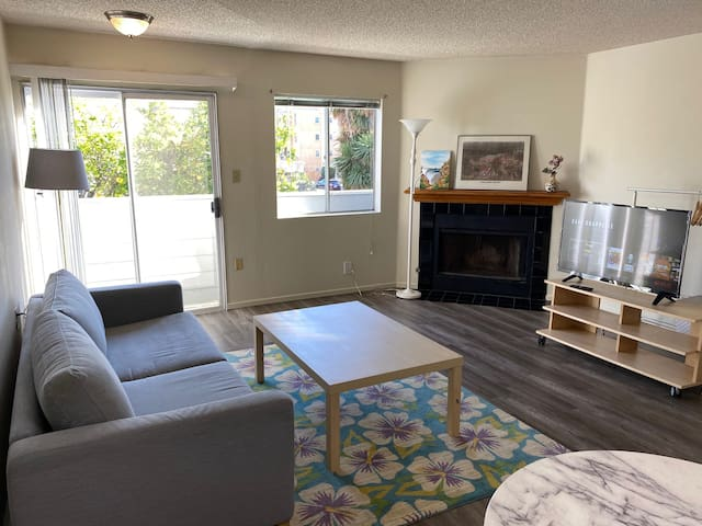 2bed2.5bath West LA, fast wifi, quiet, safe NEW!