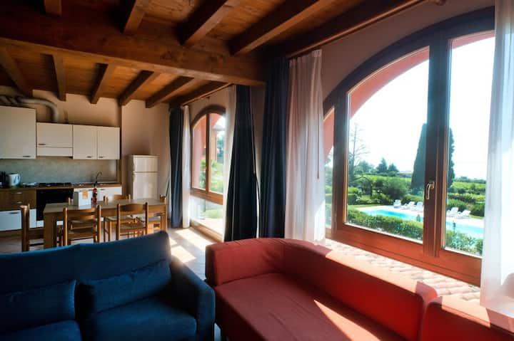 2 Bedroom Apt. Lake View&Pool 510