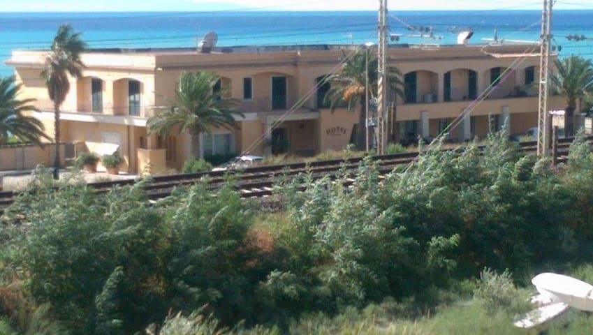 2 bed seaview apartment in Calabria - Maiolino - 公寓