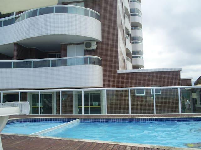 Apartamento de frente com Piscina e churrasqueira - Praia Grande - Apartamento