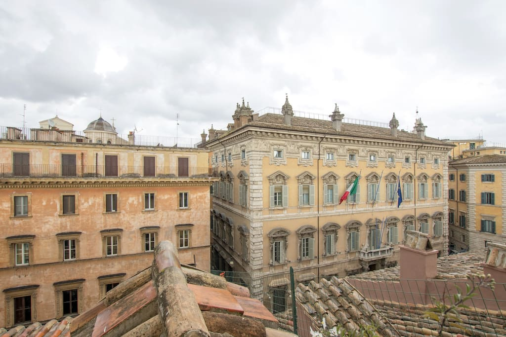 the building entrance is in front of Palazzo Madama