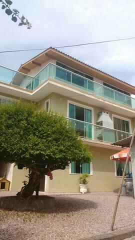 Apartamento(1) em governador Celso ramos (SC)