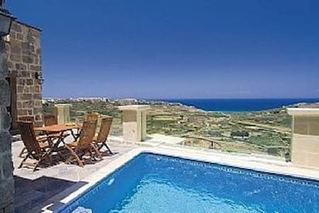One of the best views of Ramla Bay, Gozo - In-Nadur - Villa