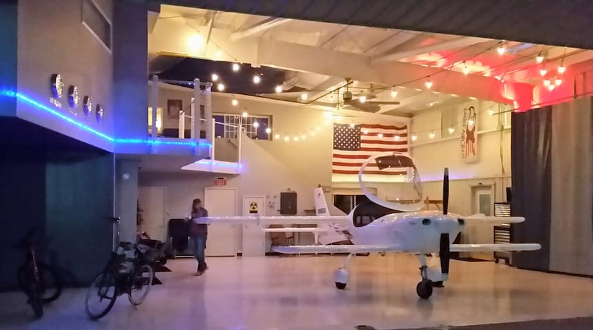 Airport hangar loft- R