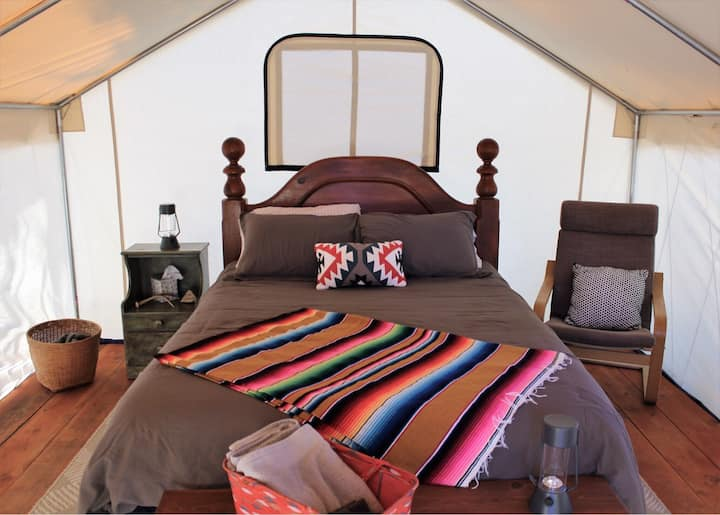 Glamping Tent with Mountain Views : Basecamp 550