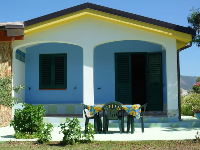 Holiday house a few minutes drive from the sea - Irgoli - อพาร์ทเมนท์
