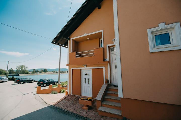 "Apartments ""Boban"" -  Studio apartment ""Kosjenka"""