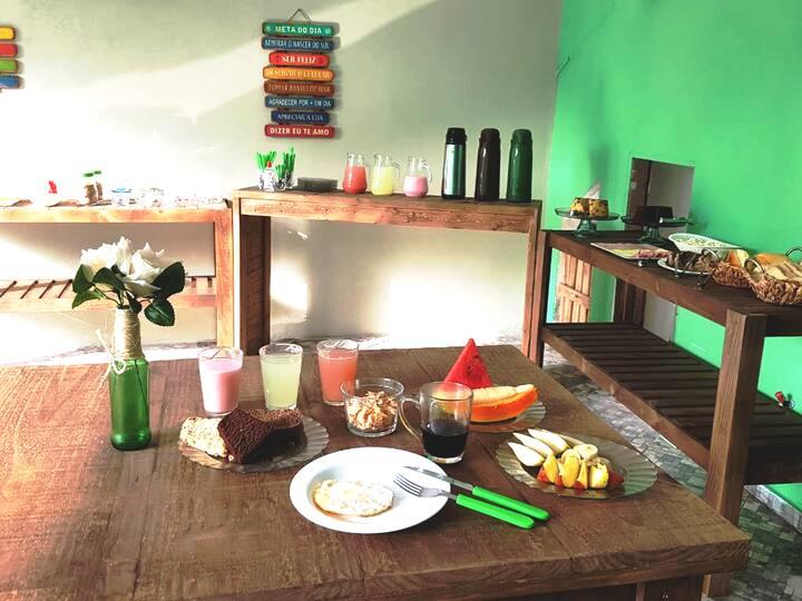 Suíte p/ 4 Pessoas 3 Mtr do Mar, Café da Manhã