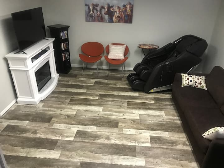 One bedroom with massage chair, one mile from I-70