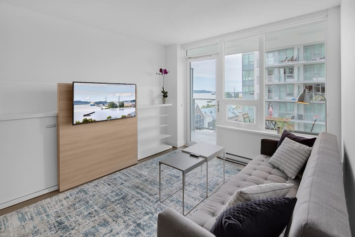 Relaxing brand new 1 BR river view New Westminster