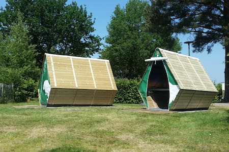 Super comfortable wooden tenthouse