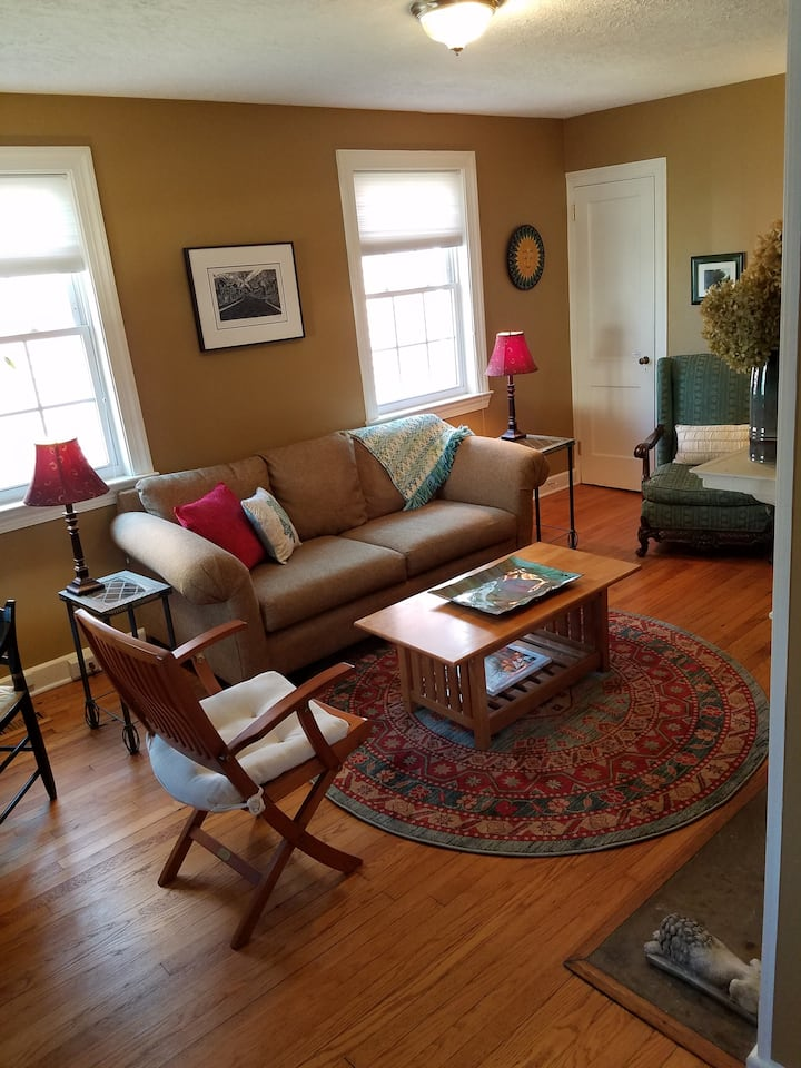 Adorable Butternut Cottage Cottages For Rent In Charlottesville Virginia United States