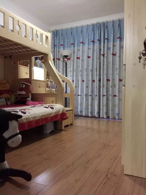 Kids room with love 宝宝最爱的玩乐园哦!