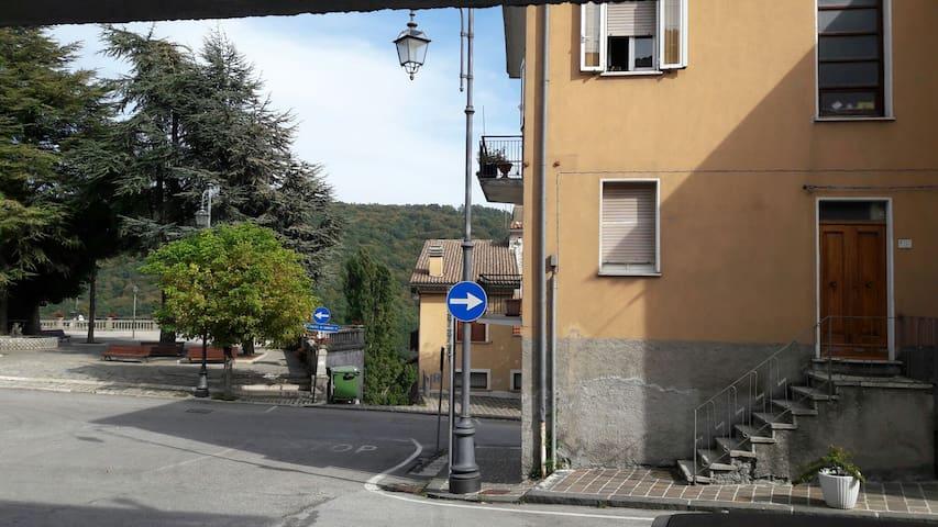 Appartamentino in Montagna con balcone - San Pietro Avellana - Flat
