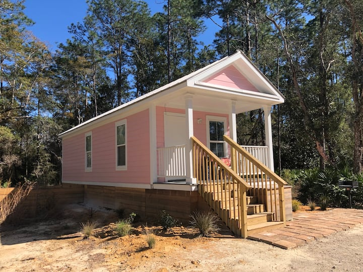 Walton Woods Pink Cottage