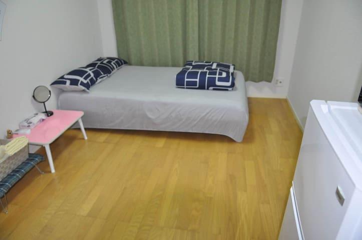 double bed~ JR & metro 5 mins walk