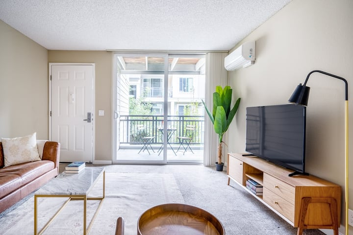 Quiet Santa Clara 2BR w/ Pool, Spa, near University,Train, by Blueground