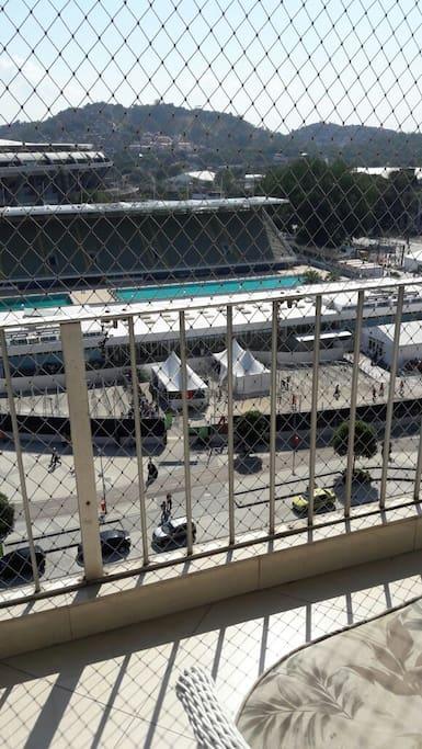 Front view of Maracanã Stadium / Vista Do Maracanã