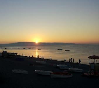 casa estate furci siculo 10 min da Taormina - Apartment