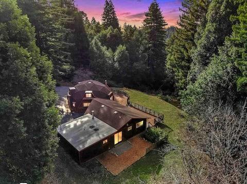 Delightful 2-bedroom Dome in the Woods