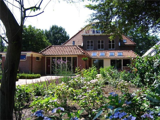Villa Burgers & Buitenlui - Diever - Villa
