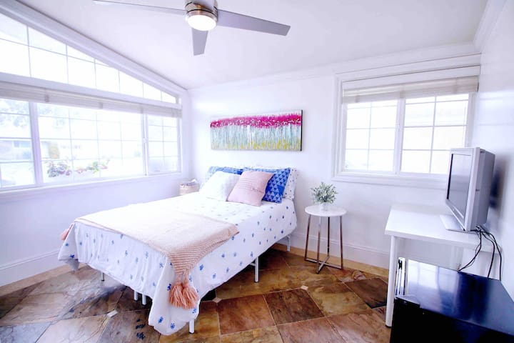 Clean & Pretty Private Bedroom | Costa Mesa