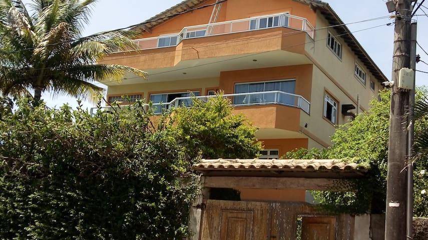 Casa com piscina em Ubu ...com vista para o mar ..