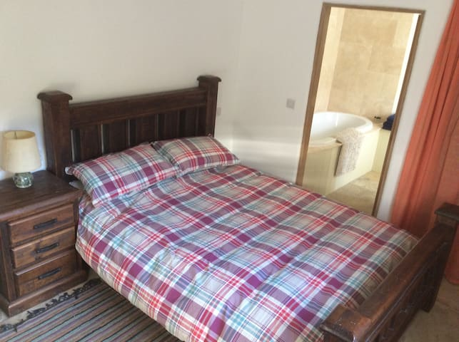 Double ensuite room Cheltenham - Andoversford