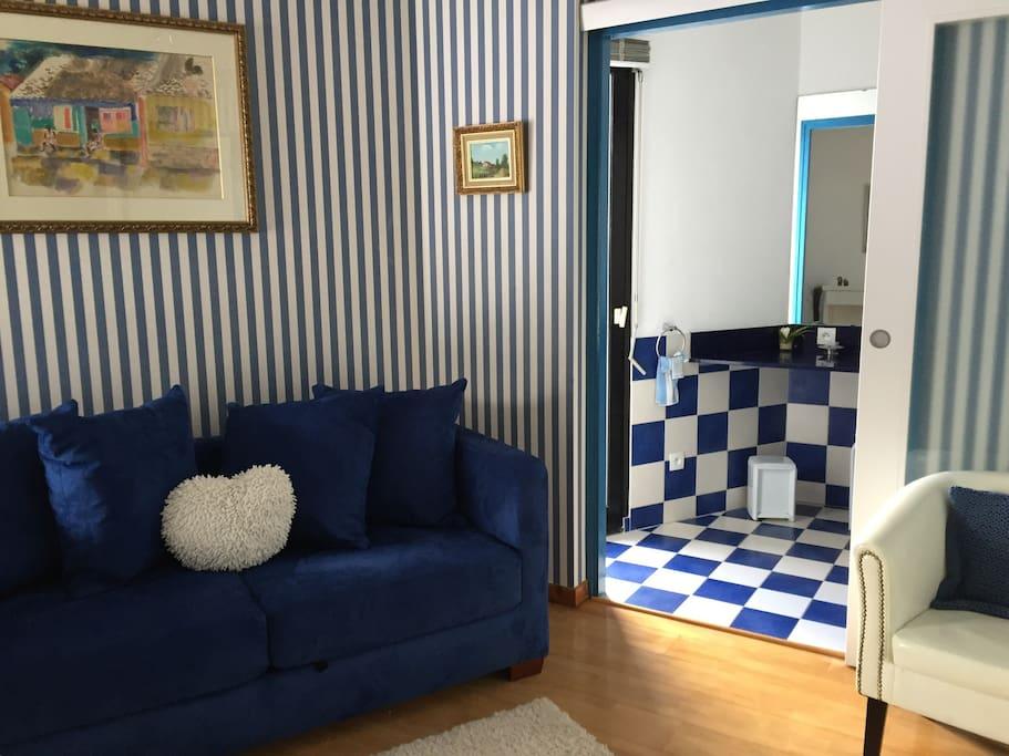Chambre avec salle bains