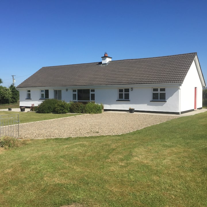 Spacious house edge of the Burren & close to Ennis