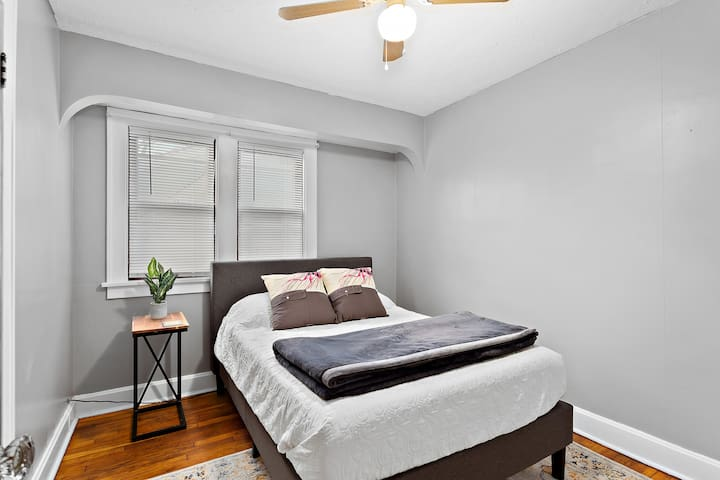 Comfy, memory foam, full-sized bed sleeps 1-2 guests