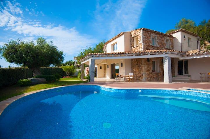 Villa a 4 Stelle con Piscina - Castiadas, Costa Rei