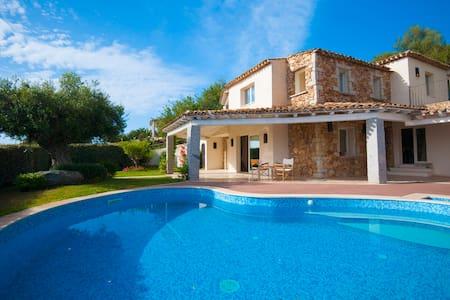 Villa a 4 Stelle con Piscina - Castiadas, Costa Rei - Casa de camp