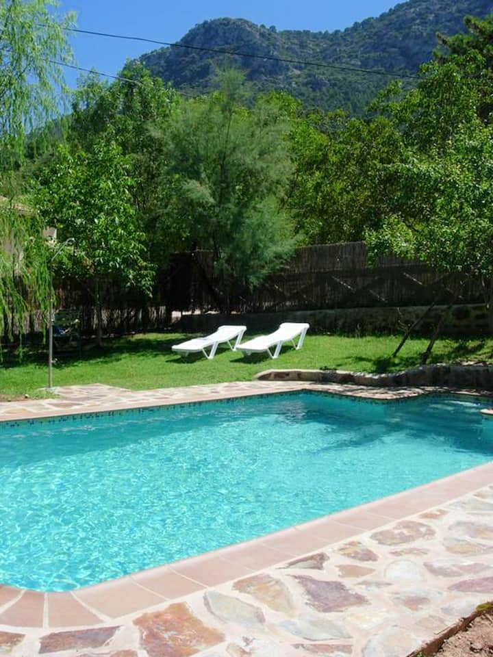 House with 3 bedrooms in Arroyo Frio, with wonderful mountain view, shared pool, enclosed garden