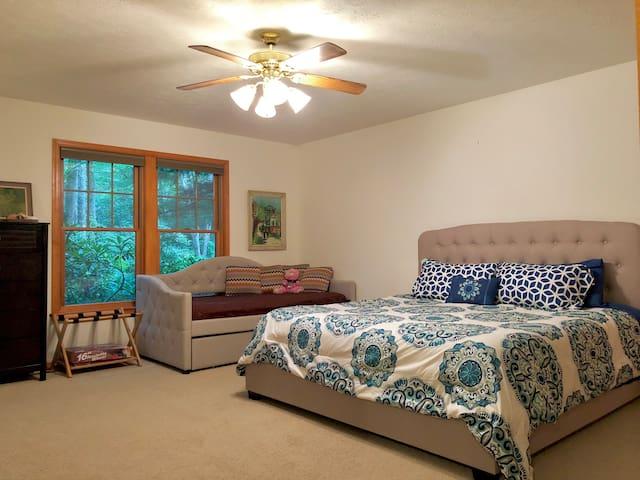 1st Master Bedroom - 1st Floor
