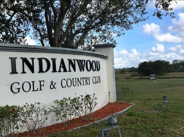 Indianwood Golf Country Club 2bdr/2b min21day