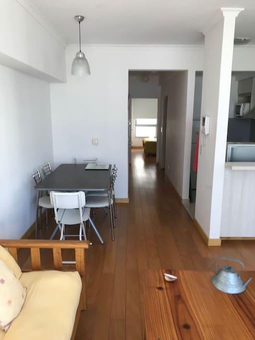 Imagen amplia del espacio A complete view of the apartment