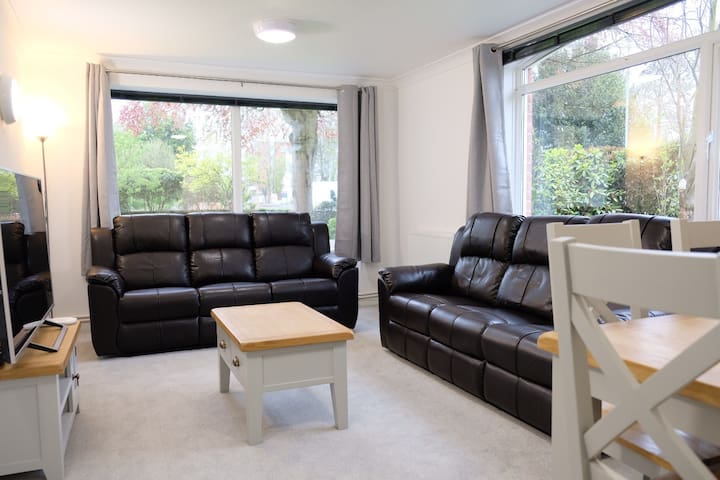 Luxurious, Bright & Spacious Refurbished Flat