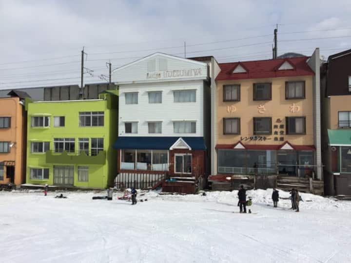Ski in/out Private Hot Spring Lodge Yuzawa