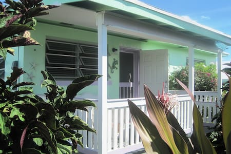 Breezy Island Cottage with all the amenities - Spanish Wells